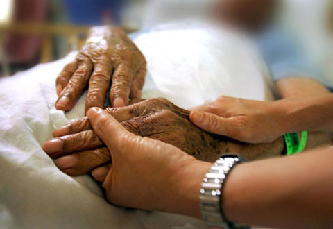 Many health staff don't feel ready to give palliative care